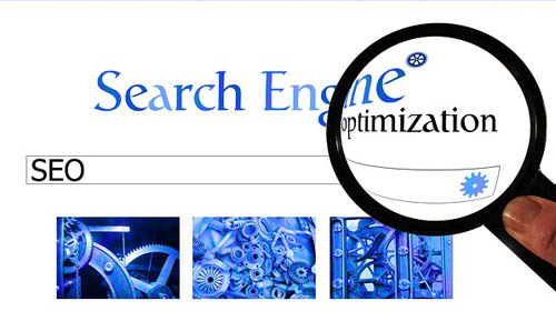 Immagine simbolica della SEO. Search Engine Optimization rappresentata da una lente di ingrandimento che simula l'accuratezza di una ricerca su internet.